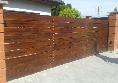 Brána vjezdová_výplň dřevo