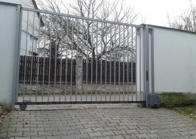 Posuvná brána s pohonem BFT Deimos