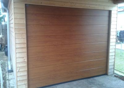 Vrata garážová sekční